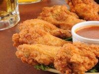 Куриные крылышки в панировке: рецепты