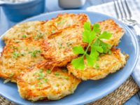 Как правильно и вкусно приготовить картофельные драники.