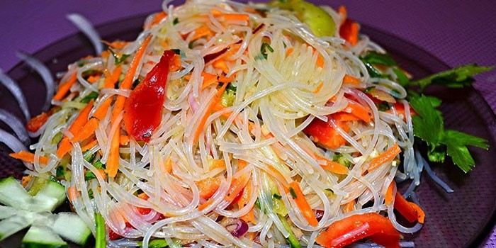 Салат фунчоза по-корейскти – рецепт