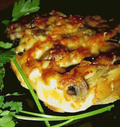 Мясо с шампиньонами в духовкеы с фото