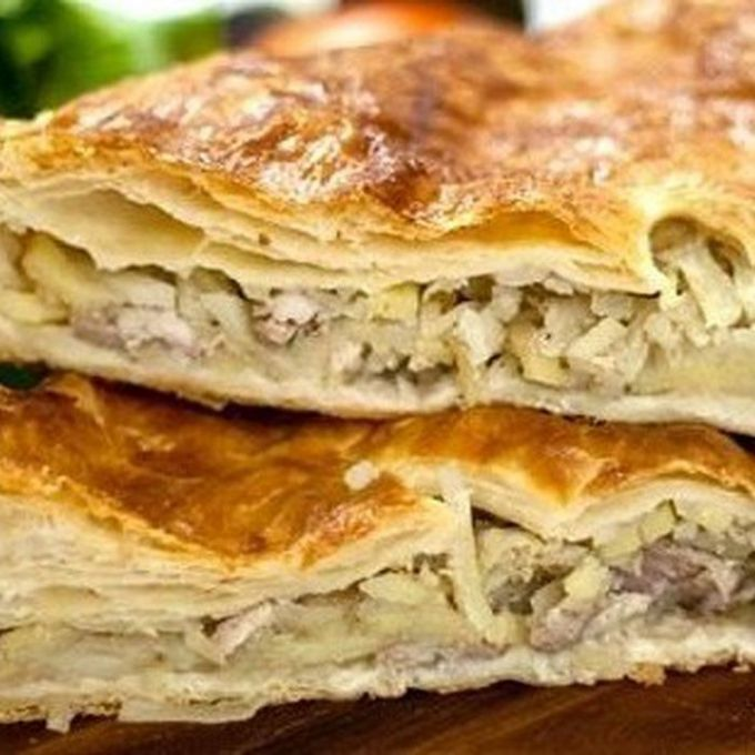 Рецепт пирога из курицы и слоеного теста