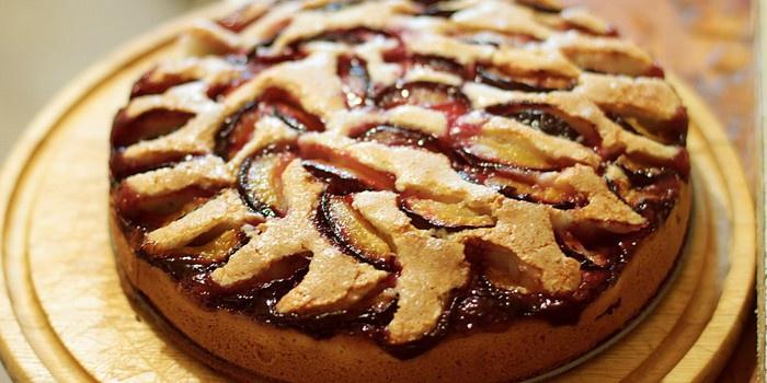 Пошаговые рецепты приготовления пирога со сливами